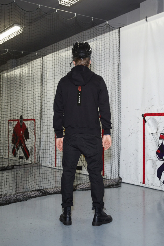 """OHMY x Hockey Punks"" džemperis su gobtuvu 2"