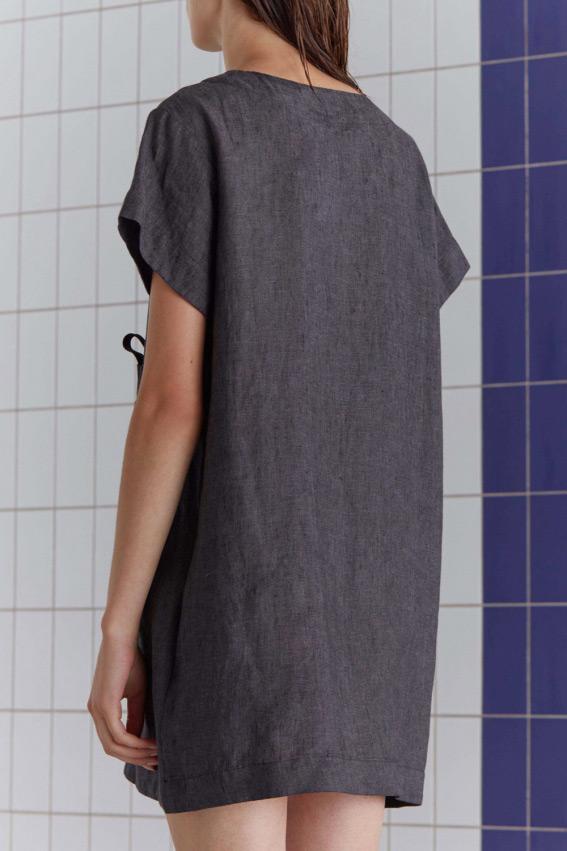 Minimal sporty linen dress 5