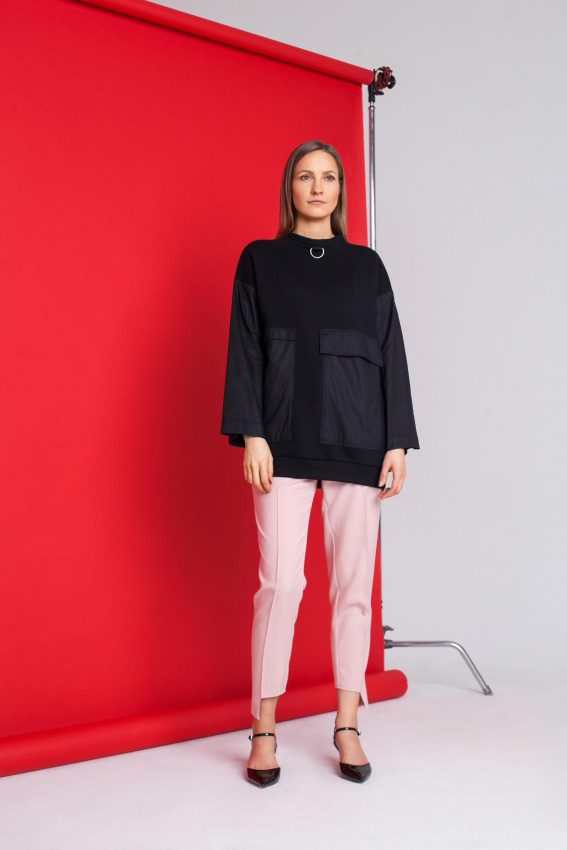 Moteriškas juodas džemperis