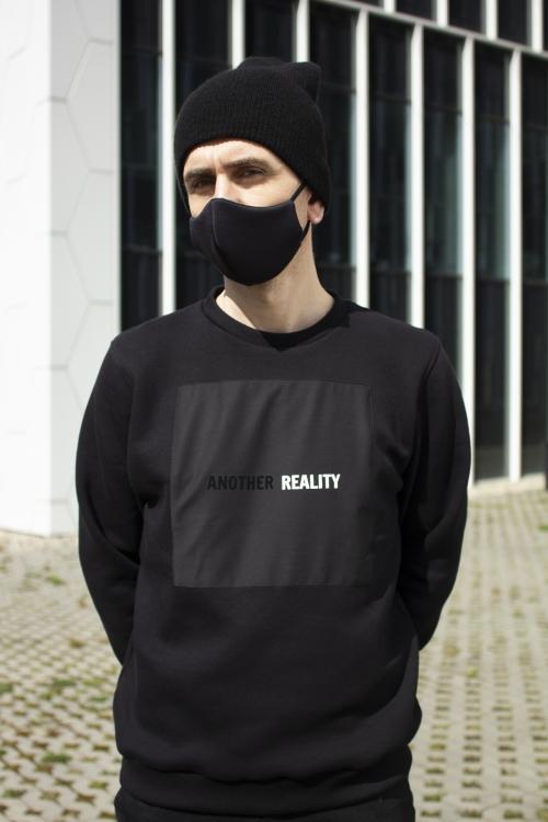 juodas vyriškas džemperis