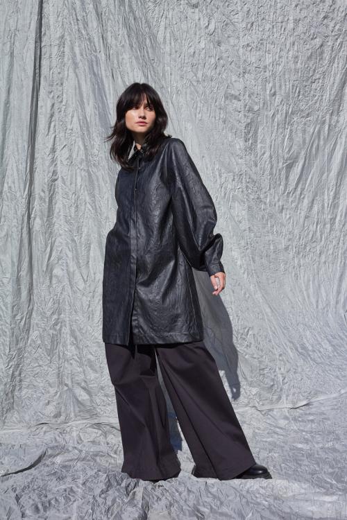 Marškinių tipo odinė suknelė-švarkas NOVA